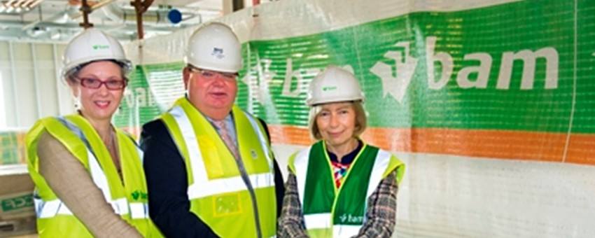 Topping-out ceremony takes place at QEUH's new ground-breaking Imaging Centre of Excellence